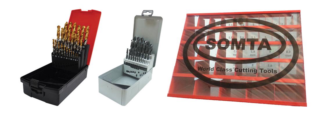 Наборы стандартных сверл с цилиндрическим хвостовиком и стойками для хранения – HSS / <span style=